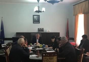 """Mbledhje e Organit Këshillues me tematikë: """"Raportim i masave të marra për përballimin e sezonit të ujitjes gjatë verës 2019""""."""